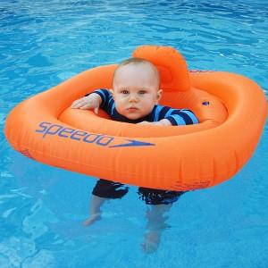 Bild 1: Kinder lernen schwimmen